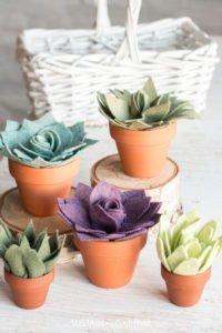 Easy felt crafts: DIY felt succulents