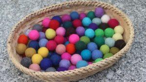 How to make felt balls at home