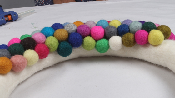 create your own felt ball crafts at home