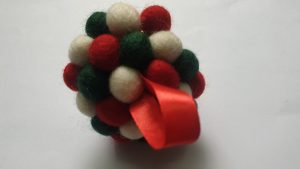How to make wool ornaments