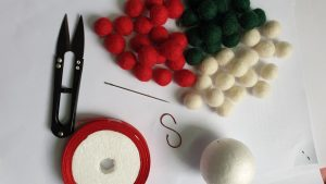 Raw material for wool ornaments