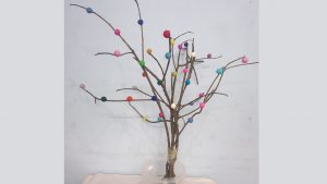 Felt ball tree to decorate your house