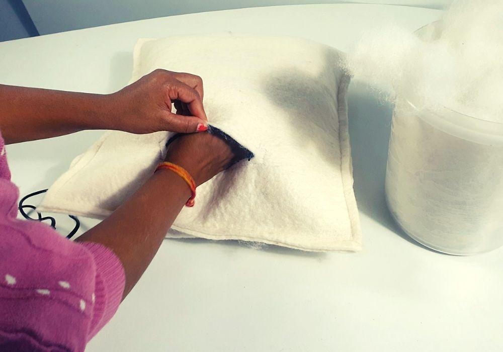 How to make felt balls cushion