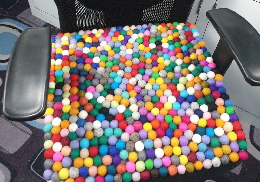 diy felt crafts made with felt balls