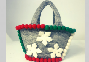 Felt balls handbag to match your dresses