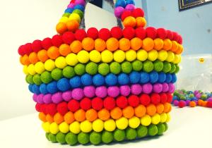 Handbag made of feltballs