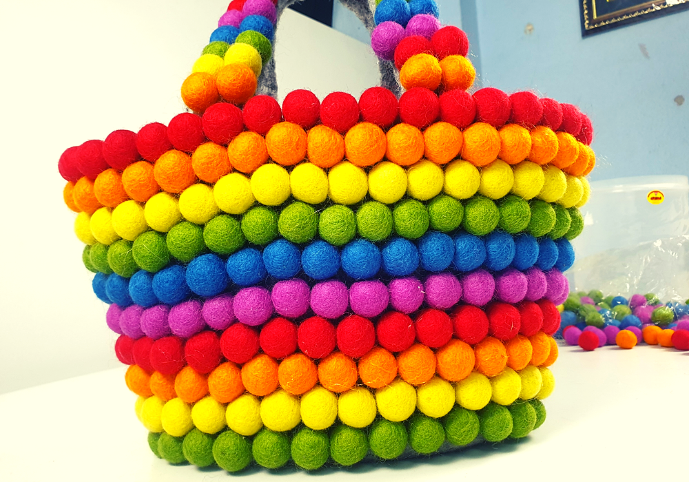 How to make handbag using felt balls