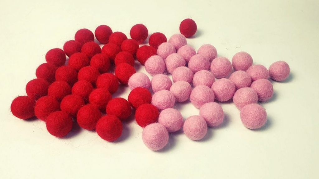 How to make felt ball heart garland for Christmas and valentine