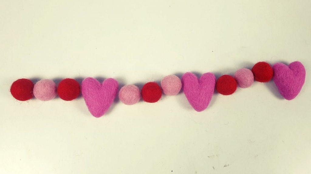 How to make felt balls heart garland for Christmas and garland
